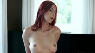 Masaj esnasında orgazm olan Maria