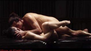 Amına masaj yaptırıp orgazm oluyor