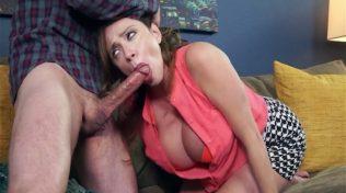 Olgun pornocu rapçi sevgili yapıyor